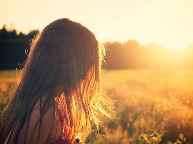 Ossos fortes e melhoras no sono: os benefícios de tomar luz do sol